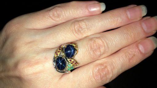 Серебряное кольцо с крупными звёздчатыми сапфирами