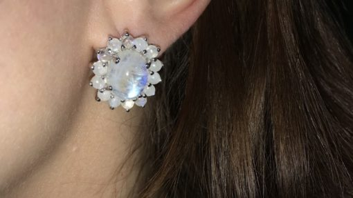 Серебряные серьги с лунным камнем