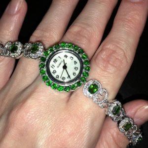 Серебряный браслет-часы с хромдиопсидами