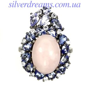 Серебряное кольцо с розовым опалом и танзанитами