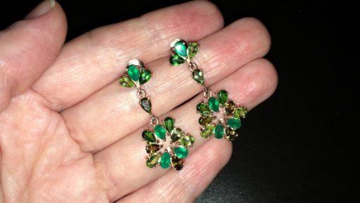 Серьги с зелёными камнями в серебре с позолотой
