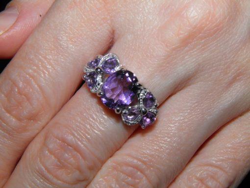 Серебряное кольцо с аметистами