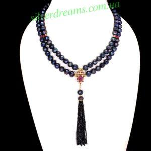 Ожерелье из чёрного жемчуга с рубинами