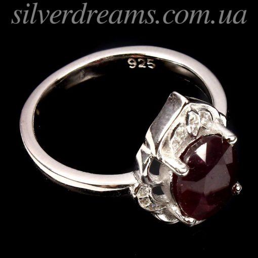 Серебряное кольцо с мадагаскарским рубином