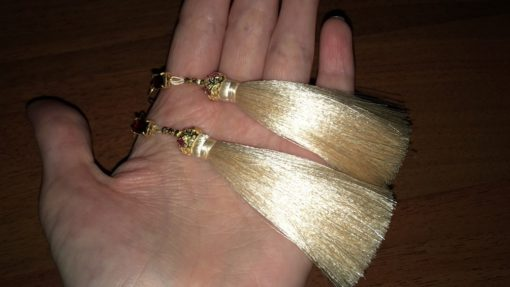 Серебряные серьги-кисточки с гранатом