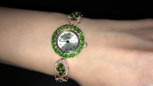 Серебряные часы-браслет с хромдиопсидом