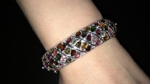 Жёсткий серебряный браслет с турмалинами