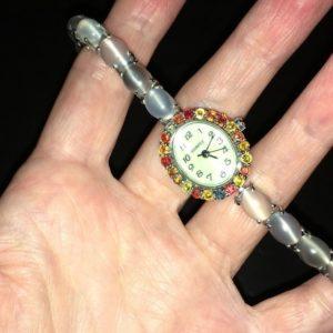Серебряные часы-браслет с лунным камнем кошачий глаз