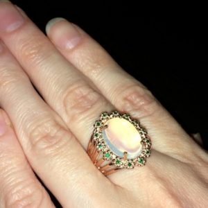 Опаловый перстень в серебре с позолотой