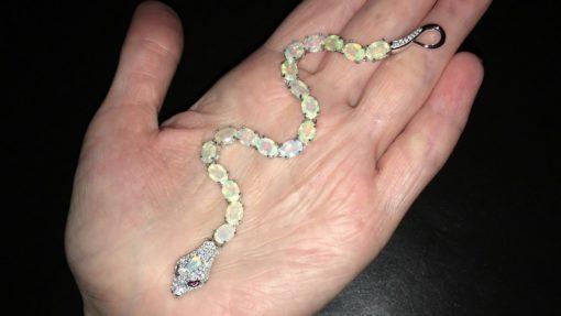Серебряный браслет Змея с гранёными опалами