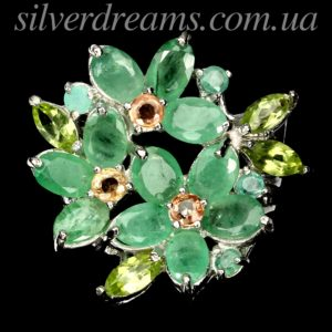 Серебряное кольцо с изумрудами сапфирами и хризолитами