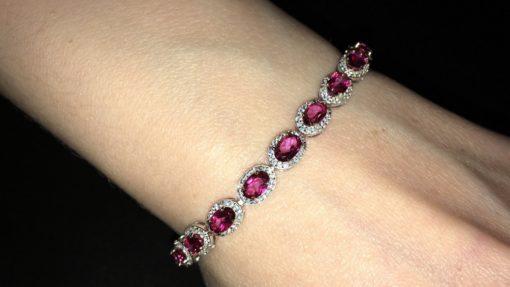Серебряный браслет с розовым топазом