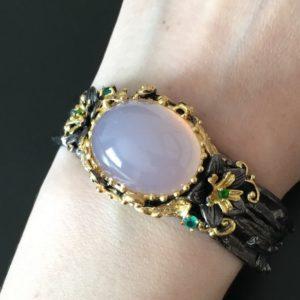 Дизайнерский браслет с розовым кварцем