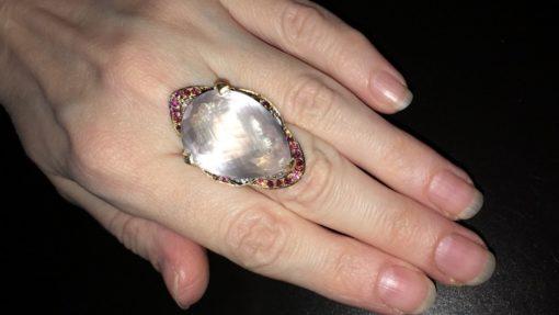 Дизайнерское кольцо с розовым кварцем