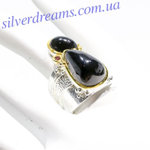 Серебряное кольцо с чёрной шпинелью