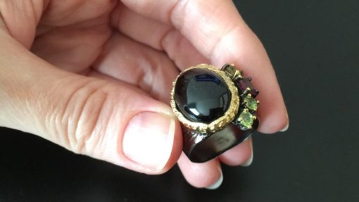 Серебряный перстень с чёрной шпинелью