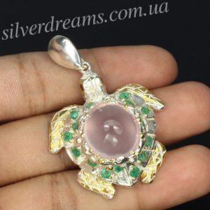 Серебряный кулон Черепаха с розовым кварцем и изумрудами