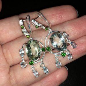 Серебряные серьги с празиолитом топазами диопсидами