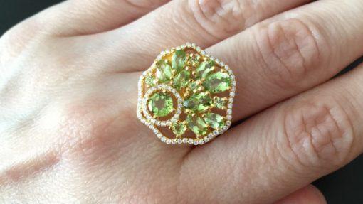 Кольцо с хризолитами в серебре с позолотой