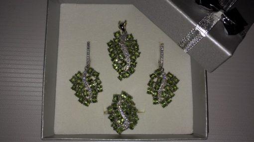 Серебряный комплект с хризолитами