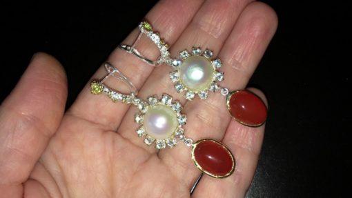 Длинные серебряные серьги с жемчугом и сердоликом