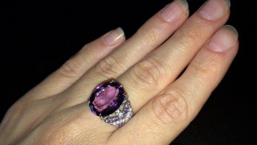 Серебряное кольцо с крупным аметистом