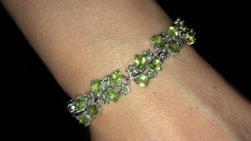 Хризолитовый браслет в серебре