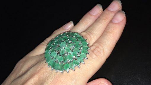 Серебряный перстень с изумрудами