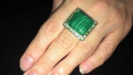 Серебряное кольцо Малахит Хризолит