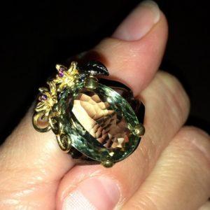 Серебряное кольцо с крупным празиолитом