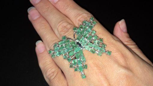 Серебряное кольцо Бабочка с изумрудами