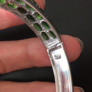 Серебряный браслет с хромдиопсидом
