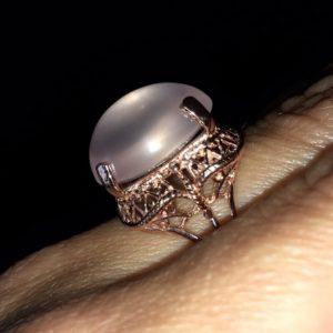 Серебряный перстень с розовым кварцем