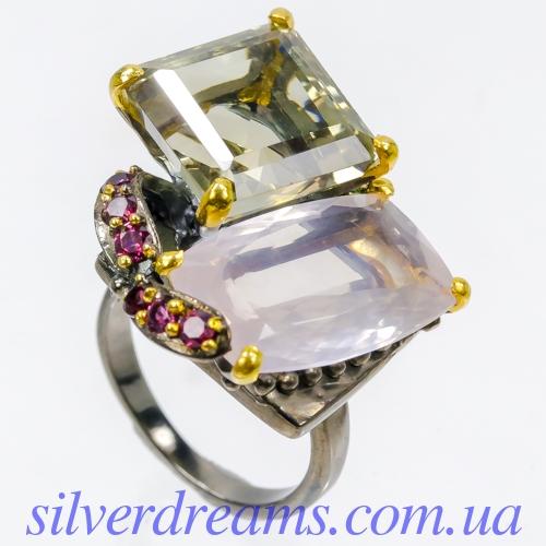 Дизайнерское серебряное кольцо с розовым кварцем и празиолитом