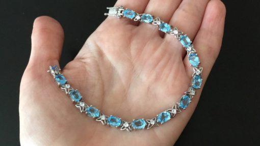 Серебряный браслет с голубым топазом