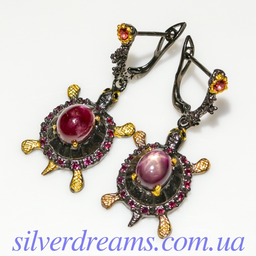 Серебряные серьги со звёздчатым рубином