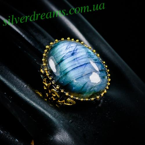 Серебряное кольцо с крупным лабрадоритом