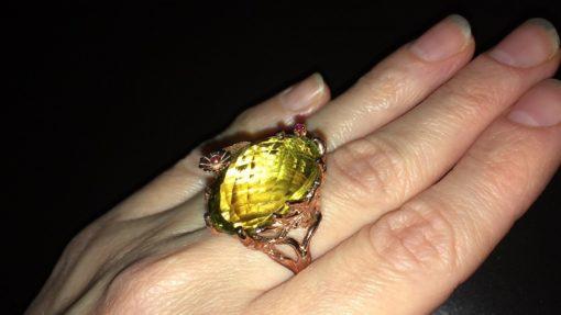 Серебряное кольцо с крупным лимонным кварцем