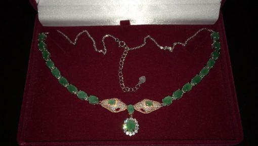 Серебряное ожерелье Змеи с изумрудами