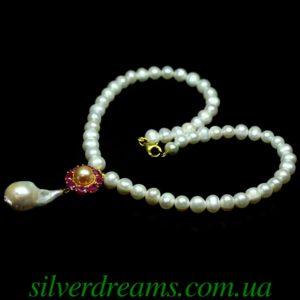 Жемчужное ожерелье с рубиновым кулоном