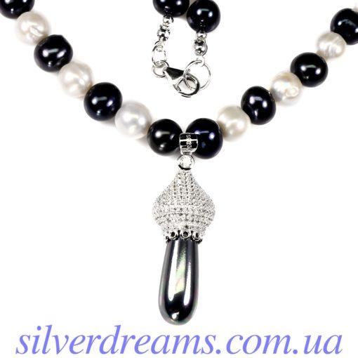 Серебряное ожерелье с чёрно-белым жемчугом