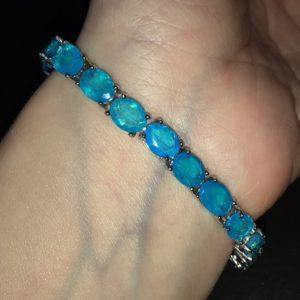 Серебряный браслет с огненно-голубыми опалами
